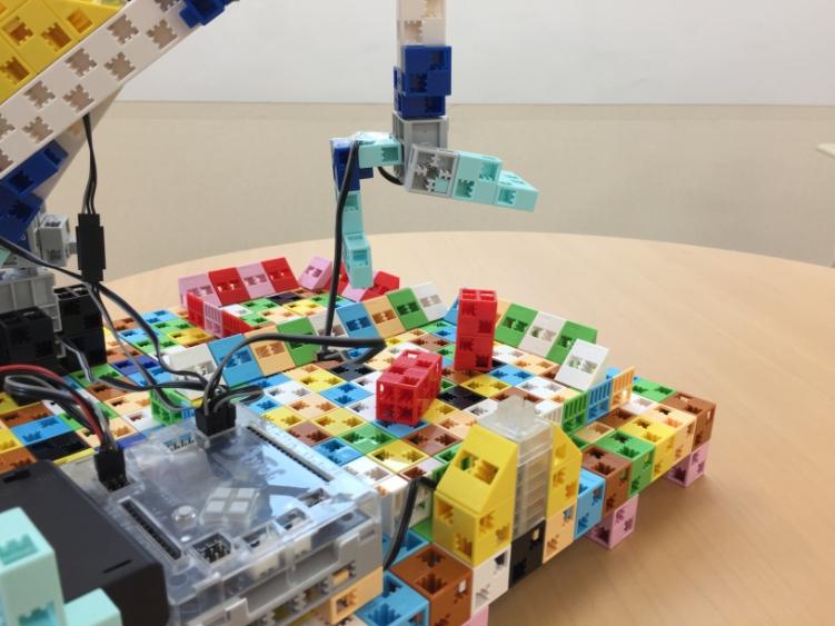 きーぼー市ロボット